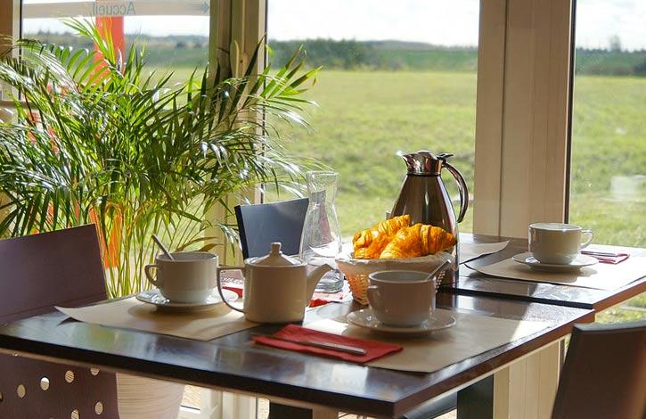 Couett'Hotel Mainvillier Petit Dejeuner